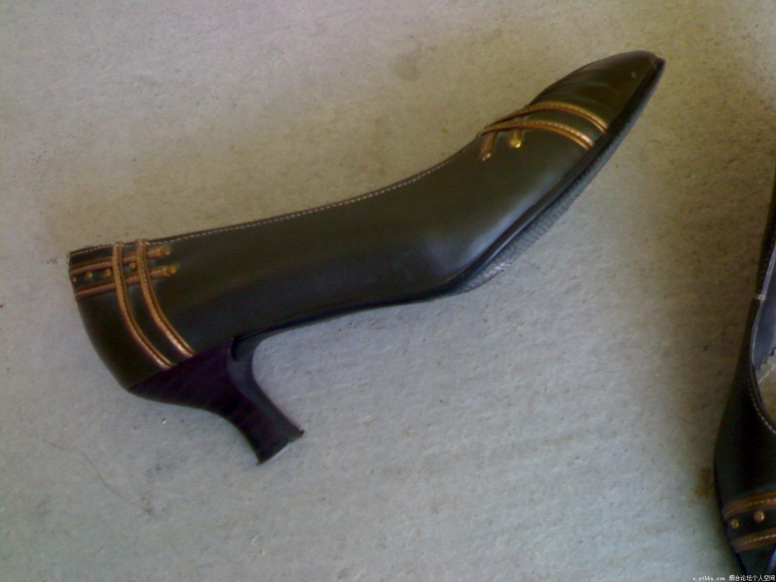 红冠皮鞋 35码的鞋子