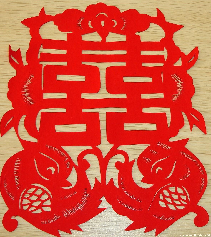 白瓷剪纸花纹茶具
