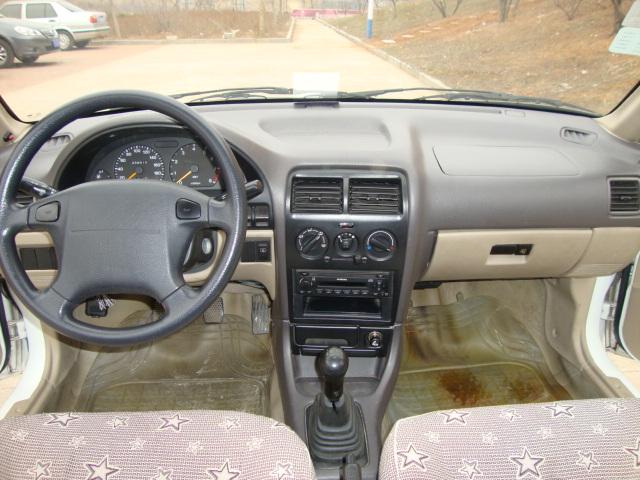 09年白色长安铃木小羚羊精品车 车况太好无法形容 二手车高清图片