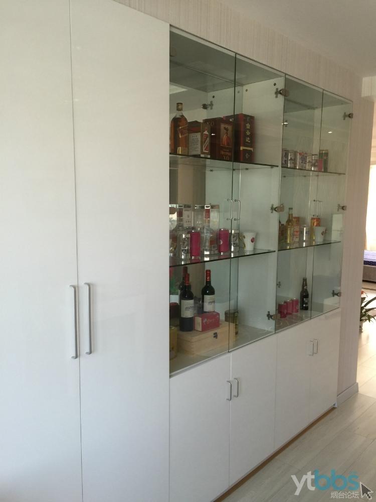 酒柜带隐藏储藏间门