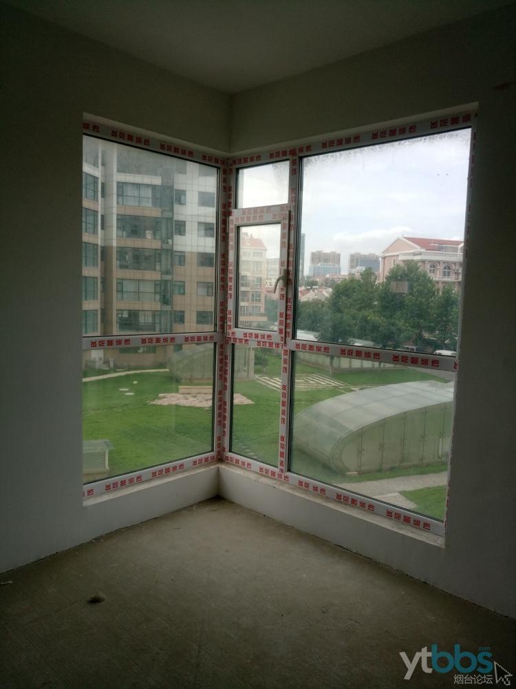 卧室窗户做的保护