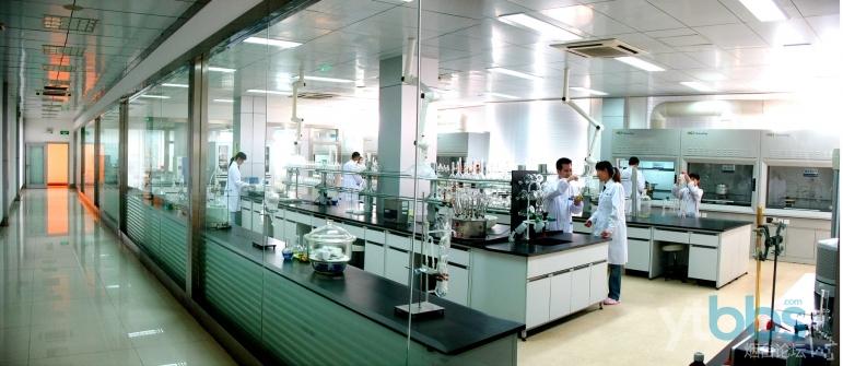 图2:喜旺集团现代化的科研中心.JPG