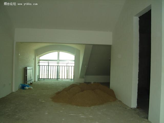 部分客厅及厨房,门为洗手间的.jpg 高清图片