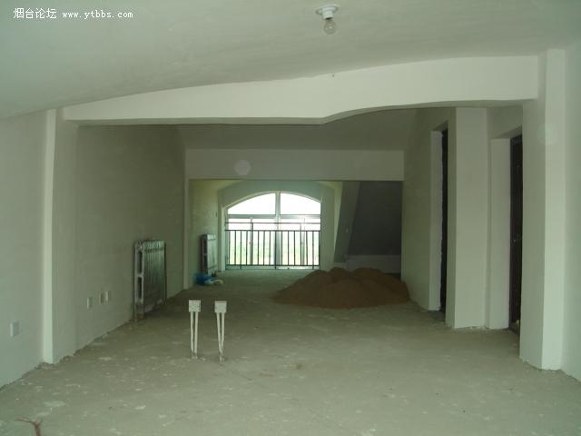 部分客厅及厨房,门为洗手间的2.jpg 高清图片
