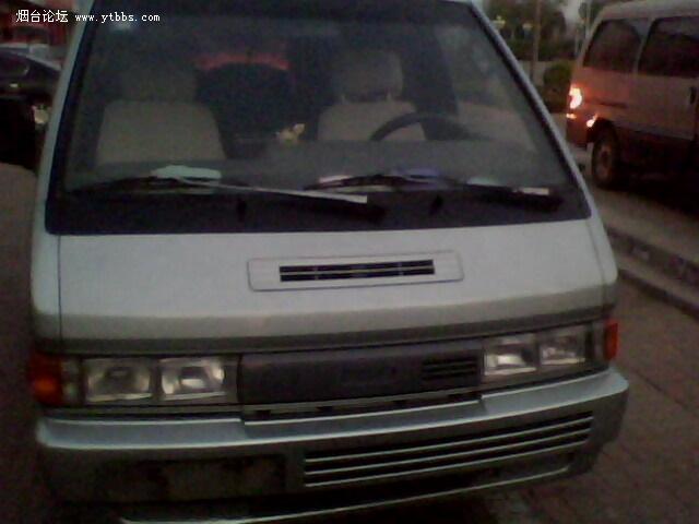 卖一辆尼桑巴宁面包车 车况改装的相当好 大天窗 车载电视 冰箱图片