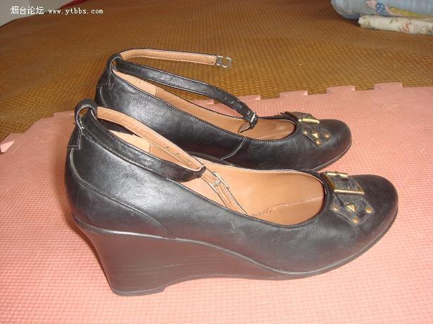 剑鲨黑色皮鞋40码,95成新