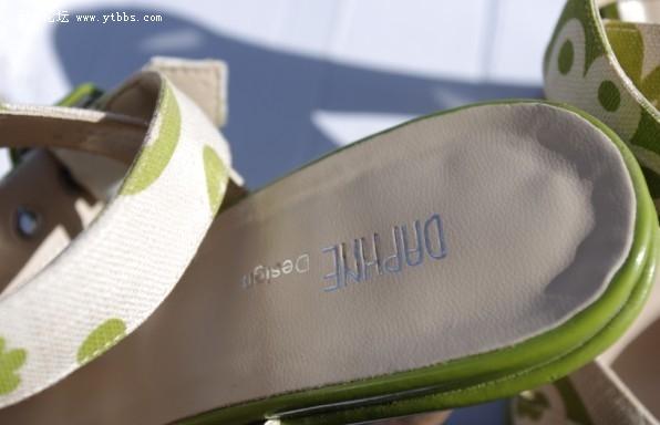 达芙妮凉鞋处理50米 35码